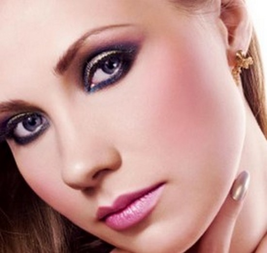 How to apply make-up to gain natural look