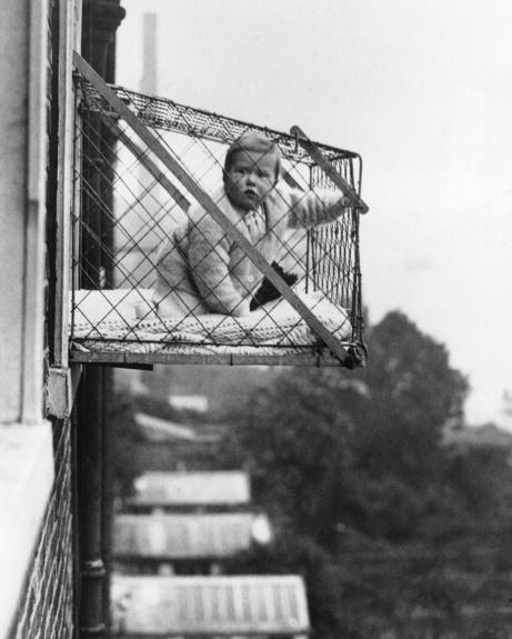 Outdoor baby cages